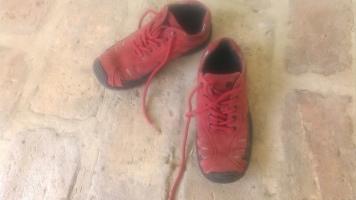 31-es bőr lány cipő