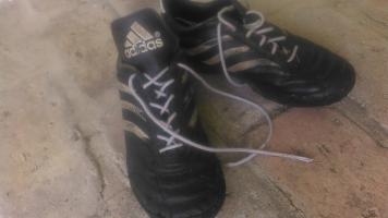 37-es Adidas focis cipő eladó